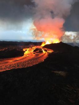 Kilauea-volcan-fissure-8-lava-fountain
